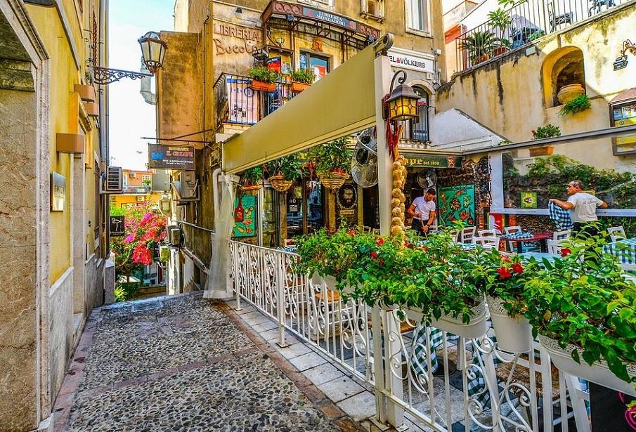 colori della sicilia taormina