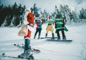 Lavorare a Capodanno nel Turismo figuranti neve