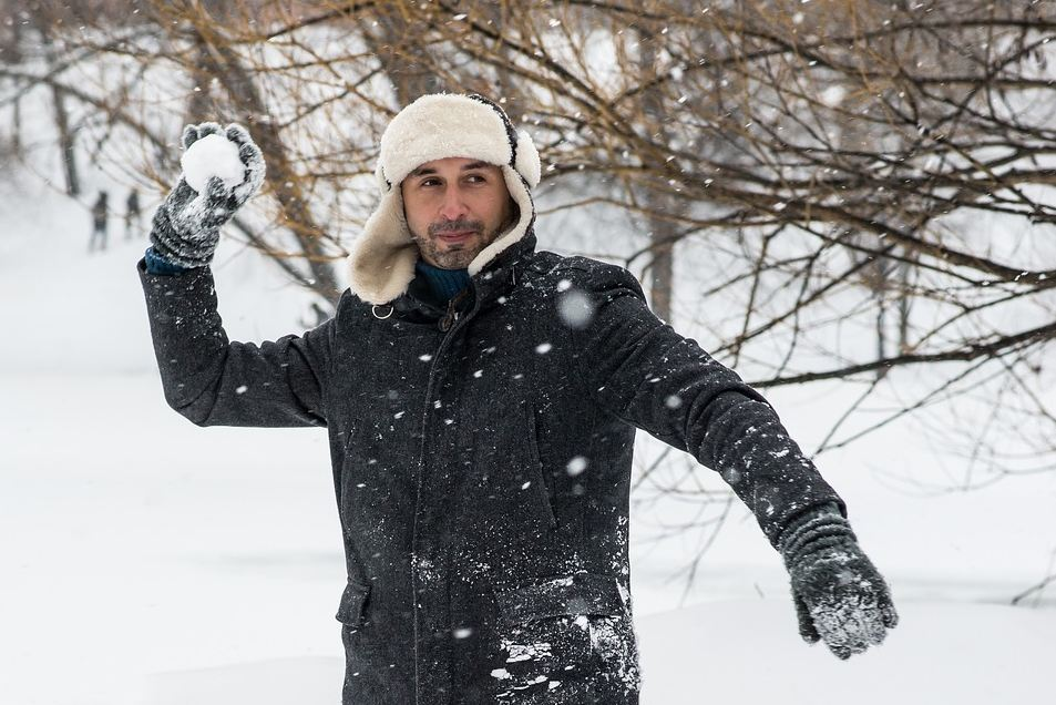 giocare a palle di neve